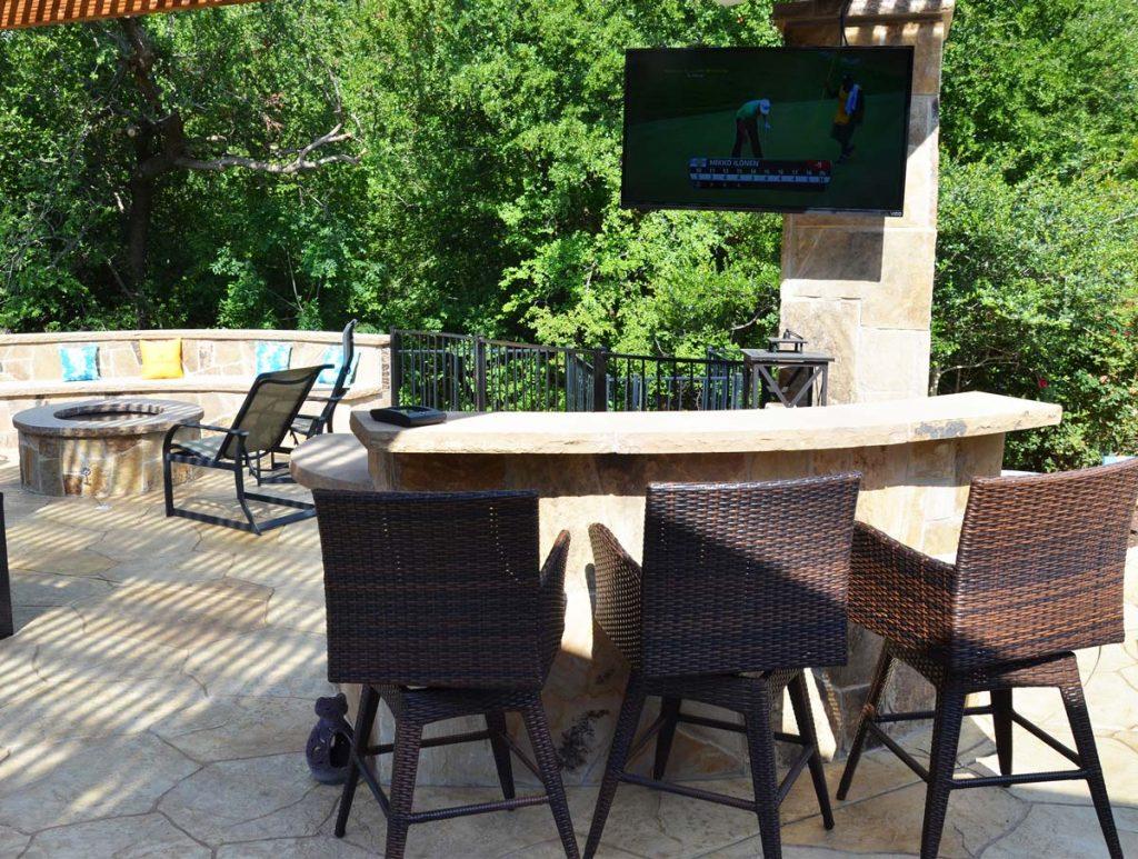 outdoor patio bar